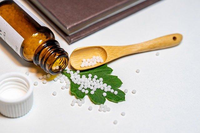 TOP 8 des remèdes homéopathiques pour l'allergie du pollen
